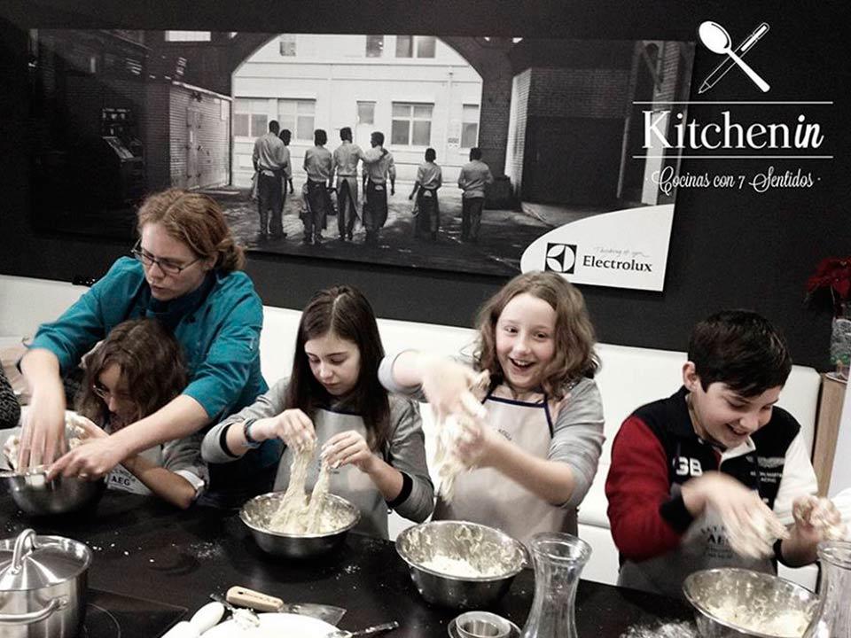 talleres de cocina para niños en Kitchen in