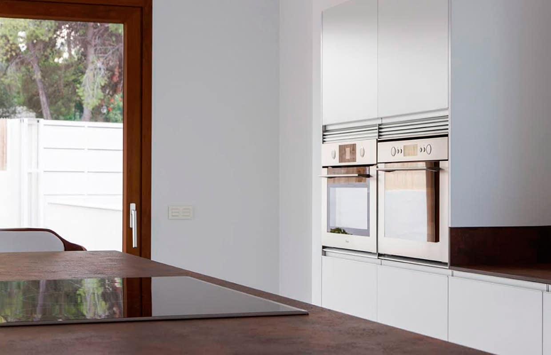Muebles columna de cocina con horno encastrados