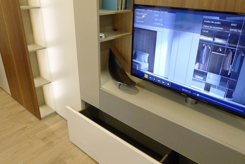Detalle cajón del sistema Roomy de Caccaro instalado en exposición Kitchen in.