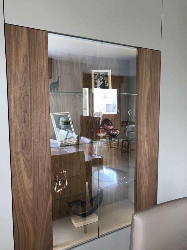 Sistema Roomy de Caccaro instalado en proyecto de Kitchen in.
