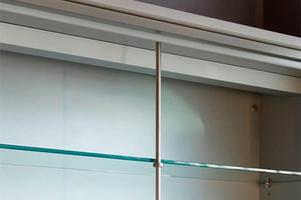 Sistema antiflexion de muebles altos desarrollado Senssia