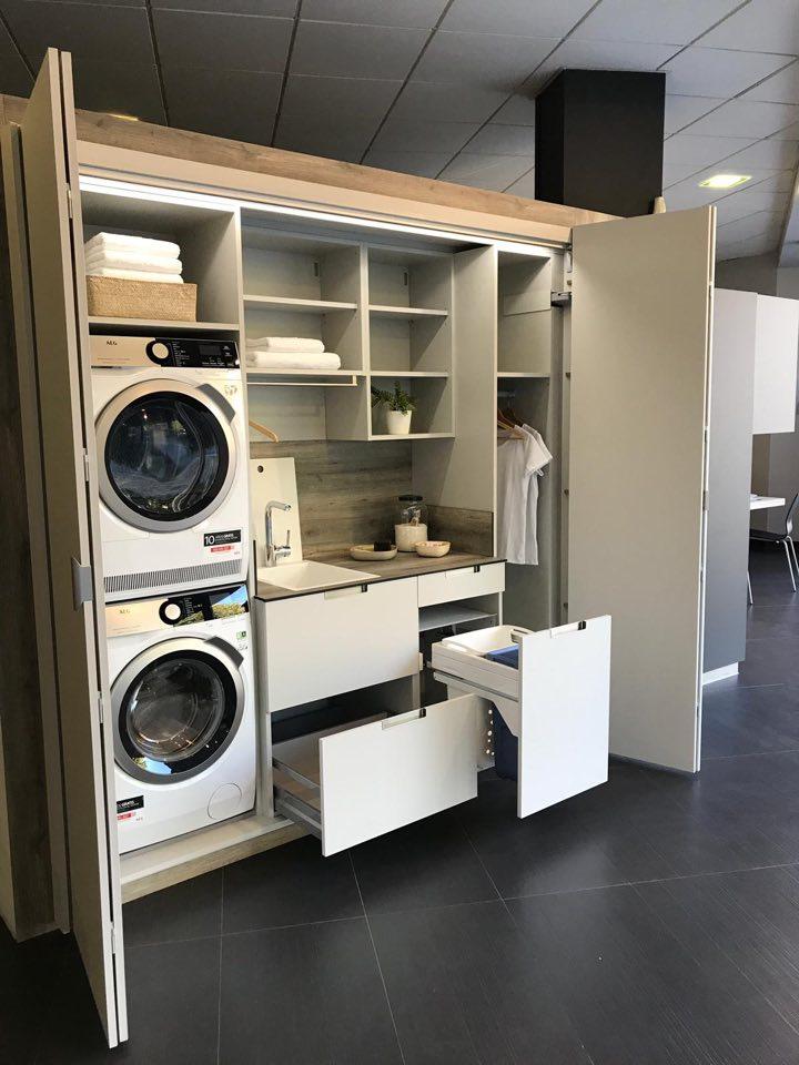Vista interior de zona de lavanderia de cocina