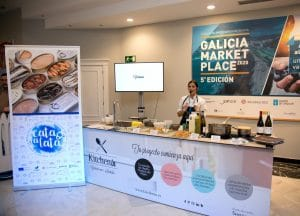 La Chef Majo en el módulo de showcooking de Kitchen in en Galicia Market Place