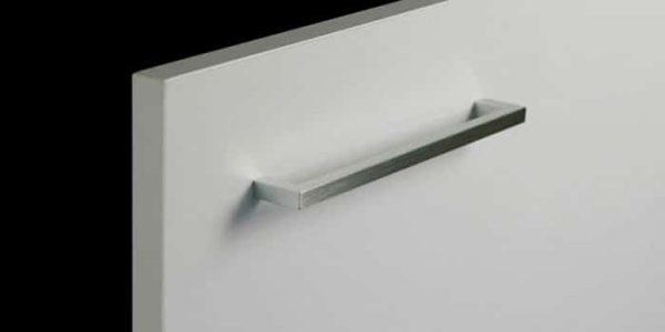 Tirador de mueble de cocina Asa Linea aluminio cepillado de Senssia